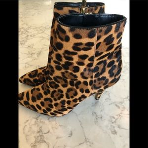 Vince Camuto shoes, size 9, NEW. Cow Hair Upper.